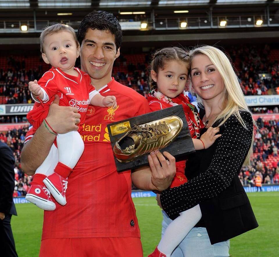 Luis Suarez Wife Sofia Balbi children pic