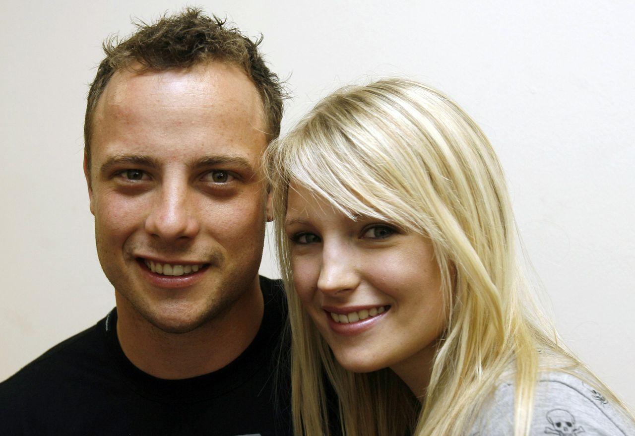 Oscar Pistarius' Ex-girlfriend Jenna Edkins in His Defense PHOTOS)