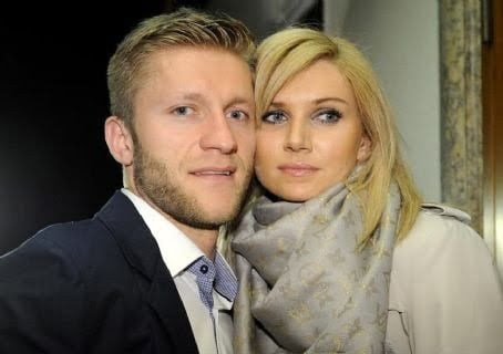 Family photo of the football player, married to Agata Gołaszewska, famous for 2016 famous for Borussia Dortmund.