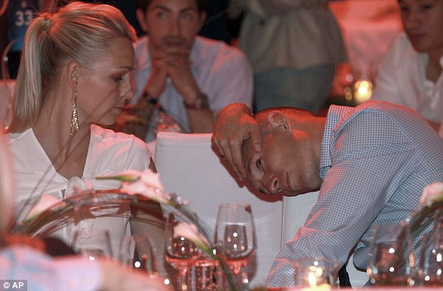 bio, wife (wiki, Aillert Robben