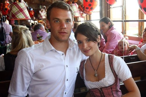 video kathrin glich is bayern munich 39 s goalkeeper manuel neuer 39 s girlfriend bio wiki photos. Black Bedroom Furniture Sets. Home Design Ideas