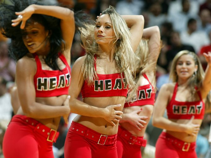 miami heat coach dating cheerleader At the age of 44, the head coach of the miami heat has already accomplished quite a bit erik spoelstra has two nba rings, makes his living in sunny miami and he now has one smoking hot fiancée.