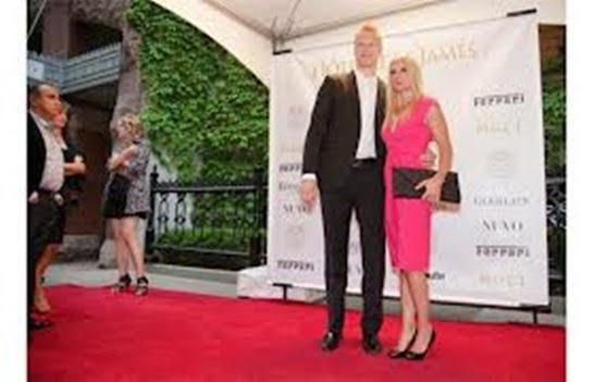 Julie Eller- NHL player Lars Eller's Wife