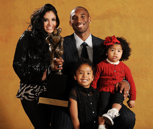 Pamela ¨Pam¨ Bryant is L. A Lakers Kobe Bryant' s Mother ...