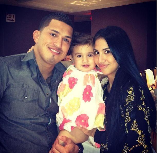 Anthony pettis girlfriend wife Alexandra Cartagena