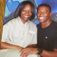 Demaryius Thomas And Mother1 200x200