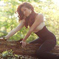 Romina Lombardo Foster Arian Foster Wife Pic1 200x200
