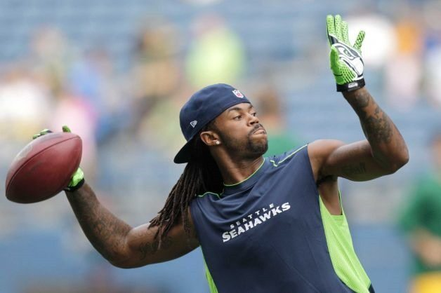 Who is Seahawks player Sidney Rice's girlfriend?