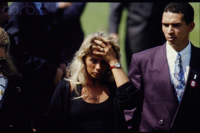 Adriane Galisteu Ayrton senna funeral pic