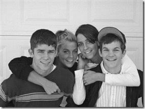Samantha Steele Ponder siblings