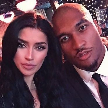 Model Nicole Williams- SD Chargers Linebacker Larry English's New Girlfriend