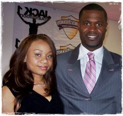 Meet Stephen Jackson's wife Renata Elizabeth White Jackson or just Renata Jackson if you prefer, she is the fab NBA Wag, held at gunpoint in 2010, with an interesting police record. Check out what we got about Mrs. Jackson right here! 3clippers #stephenjackson #renatawhitejacson #renataelizabethjackson #nbawags @fabwags