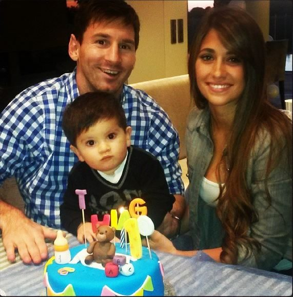 Antonella Roccuzzo Lionel Messi girlfriend picture