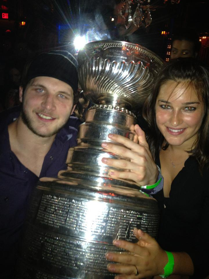 Paige Gugulyn is the fab NHL Wag who couldn't feel more proud of her boyfriend Kyle Clifford the Canadian NHL player currently playing with Los Angeles Kings. Would you like to know a few things about pretty Paige? #nhlplayoffs #losangeleskings #kyleclifford #paigegugulyn @fabwags