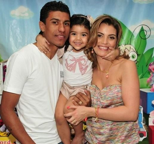 Family photo of the football player, married to Barbara Cartaxo, famous for Tottenham Hotspurs & Corinthians and Brazil.