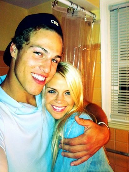 Grace Dooley: NHL Player Anders Lee's Girlfriend
