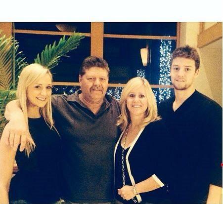 Terra Findlay: NHL Player Derrick Brassard's Girlfriend