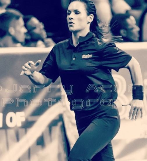 jen welter is nfl female coach  bio  wiki  photos