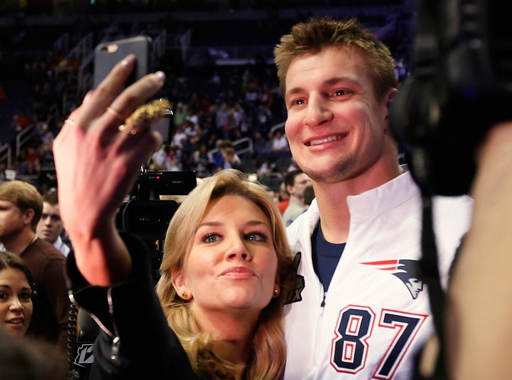 gronk flirts with reporter The new england patriots tight end is taking his well-documented enthusiasm to children's programming with 'crashletes.