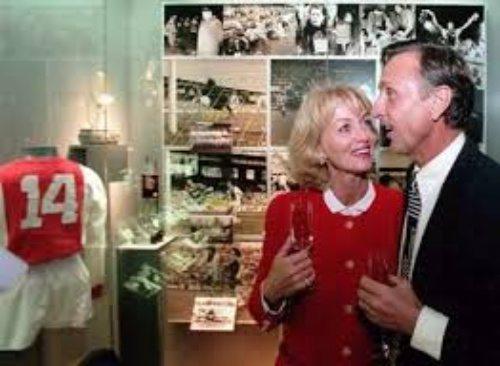 Danny coster cruyff johan cruyff 39 s wife bio wiki for Danny cruijff wikipedia