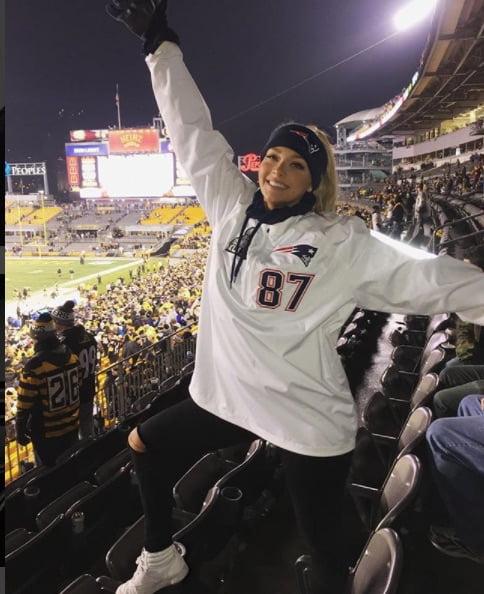 Camille Kostek Rob Gronkowski's Cheerleader Girlfriend