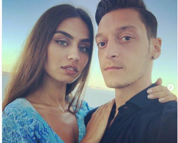 Meet Mesut Ozil's Girlfriend Amine Gulse
