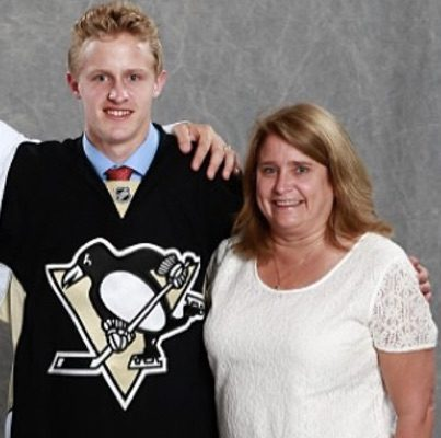 Sally Guentzel NHL Jake Guentzel's Mother
