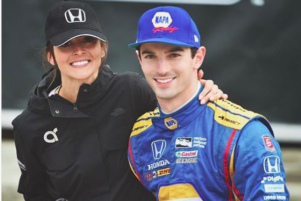 Alexander Rossi's Girlfriend Kelly Mossop