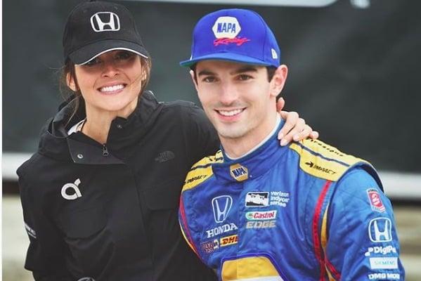 Alexander Rossi's Girlfriend Kelly Mossop