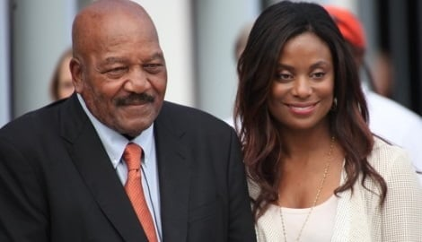 Jim Brown Family >> Who Is Monique Brown Model Jim Brown Wife Bio Age